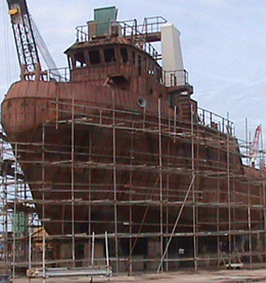 We offermarine and offshore ship building and repairto owners' specifications.